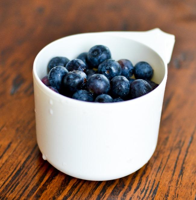 Blueberry Banana Muffins healthinspirations.net-2