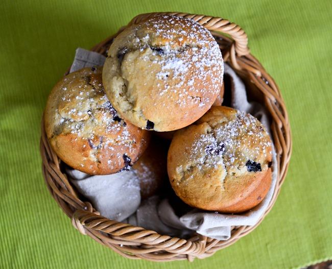 Blueberry Banana Muffins healthinspirations.net-4
