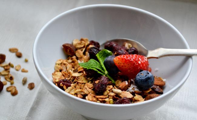 Almond Cranberry Granola healthinspirations.net-3