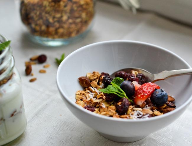 Almond Cranberry Granola healthinspirations.net-6