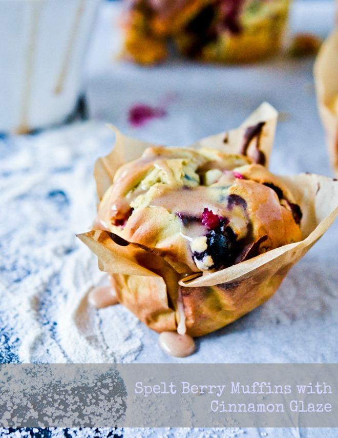 Berry Muffins w Cinnamon Glaze