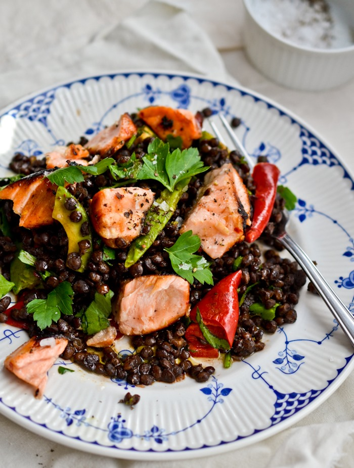 Puy Lentil Salad with Honey-Ginger Marinated Salmon {healthinspirations.net}