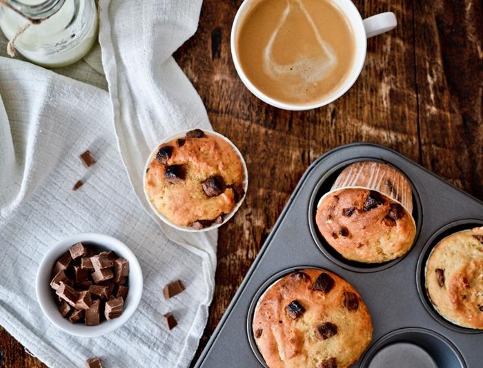 Chocolate Chunk Muffins {healthinspirations.net}