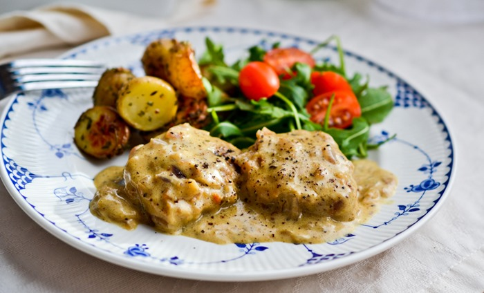 Pork-Fillet-Medallions-with-Cracked-Pepper-Sauce1.jpg